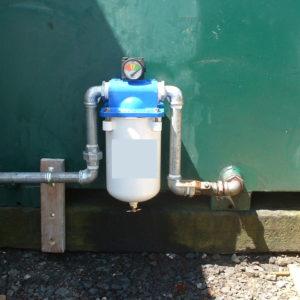 Differential pressure gauges for filter status.